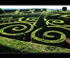 Le Château d'Hautefort (YIP2) Tags: france castle gardens garden landscape spiral dordogne greenery chateau perigord ladordogne chateaudehautefort perigordvert dhautefort lechâteaudhautefort