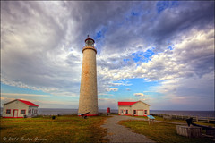 Cap-des-Rosiers Lighthouse. (evelyng23) Tags: light coastguard lighthouse canada quebec july sigma 1020mm hdr aficionados 2011 sepaq 3xp photomatix capdesrosiers forillonnationalpark tallestlighthouseincanada evelyng23 pentaxk5