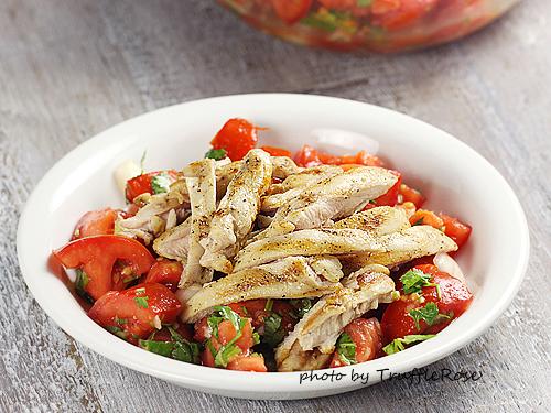 餐桌上的配角。番茄沙拉-111006