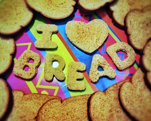 110/365- I love bread! by elineart