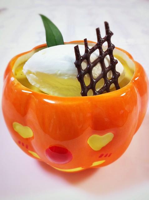 今日のお菓子 No.77 – 「宝塚ホテル」