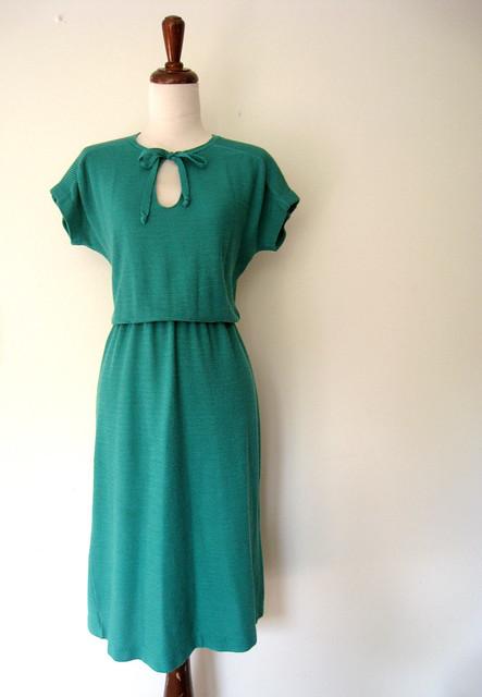 Shamrock Green Knit Keyhole Dress, vintage 70s