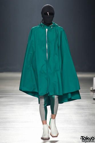 Banal-Chic-Bizarre-Menswear-Japan-Fashion-Week-2012-SS-023-600x900