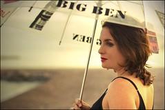 En encanto de los paraguas (Inmacor) Tags: sunset girl rain fashion umbrella atardecer mujer fiesta chica perfil playa marta soledad paraguas sola ltytr2 ltytr1 ltytr3 inmacor