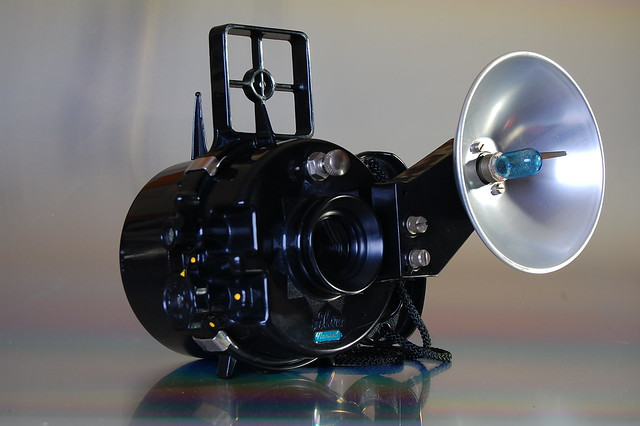 Nemrod Siluro with flash unit and XM-1 bulb via adapter
