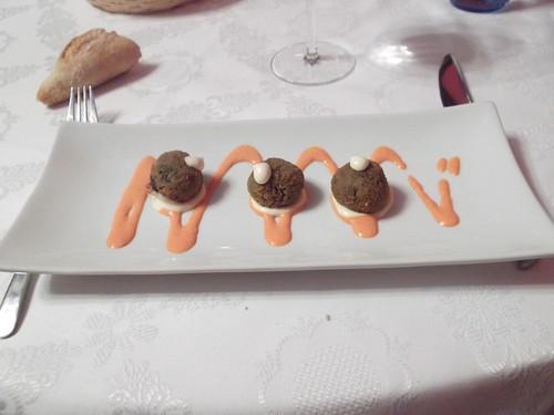 Zaragoza | Torreluna | Croquetitas de chipirón con alioli tostado