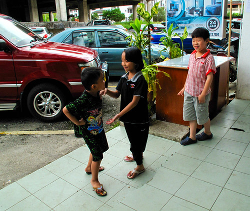 IMG_2576 Children playing , Tanah Rata , Cameron Highlands