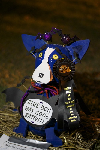 Pumpkin Shine on Line - Blue Dog.