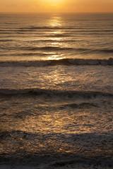 Sunset Minus the Sun (Kevin_Barrett) Tags: ocean sunset beach washington waves sony olympicpeninsula alpha hightide a700 beach4 tamron1750