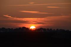SOOC Sunset 2011:10:31 17:58:16 (John de Grooth) Tags: sunset copyright oktober zonsondergang groningen dag zon drenthe grens copyrighted laatste ondergaand hondsrug johndegrooth wwwjohndegroothnl