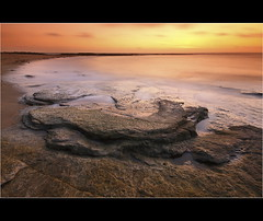 Howick... (Devilineden) Tags: sea england digital photoshop canon photo big north northumberland lee dslr filters howick gnd 50d proffessional cs5 devilineden sropper