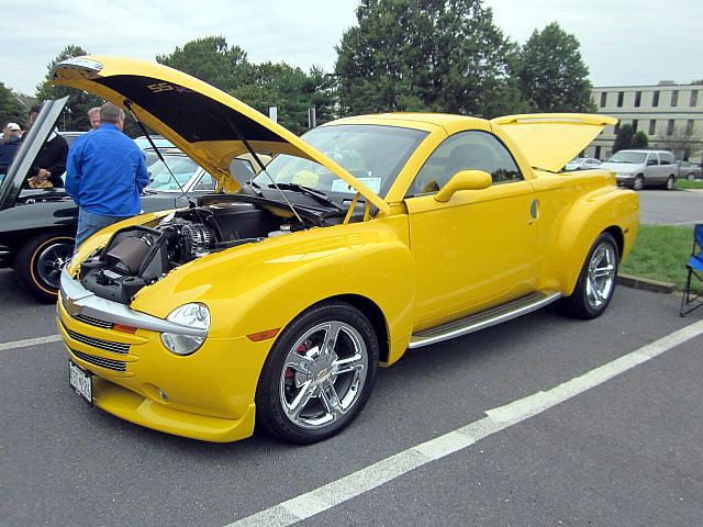 2004 truck pickup chevy ssr carshow laurelmd laurellionsclub