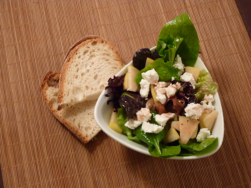 Salat mit Apfel, Ziege und frucht