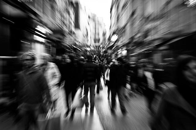 Zooming rue Montorgueil, par Franck Vervial