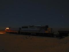 Ferronor, UTS 288 y 2808 en medio del desierto. (DeutzHumslet) Tags: chile night canon gm iron shot desert atacama desierto slug freight 288 sx20 emd vallenar 2808 ferronor sd49 trendelhierro