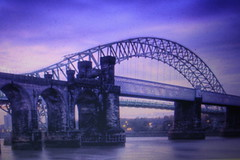 So kids.............. i was bored  so at  6.30am i took this pic (Mickmac37) Tags: liverpool runcorn merseyside runcornbridge rivermesey jeffpmcdonald abridgesomewhere