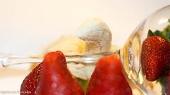 sttil01-58 (Patricia Barcelos) Tags: frutas still sexo morango pimenta sensualidade imaginao calcinha sexualidade afrodisiaco patriciabarcelos patbarcelos patfotgrafa