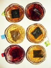 320/365 - 16/11/11 (oana-emilia) Tags: white black green colours tea sweet mint drinks sample bags six bowls refreshing liquid teabags rosehip chamomile odc ourdailychallenge