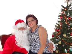 "Santa with Linda Quesada • <a style=""font-size:0.8em;"" href=""http://www.flickr.com/photos/65105168@N06/6377190839/"" target=""_blank"">View on Flickr</a>"