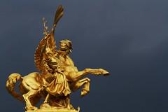 * (Gwenal Piaser) Tags: horse paris france statue canon eos golden ledefrance september invalides 7d pont usm alexandre francia canoneos parigi pontalexandreiii 70200mm 2011 f4l canon70200f4 canon70200mmf4 70200mm4l canonef70200mmf4lisusm eos7d canoneos7d unlimitedphotos gwenaelpiaser