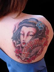Tatuaje Geisha a color espalda (Vallekas Tattoo Zone) Tags: flores pez color tattoo pagoda manga koi samurai oriental tatu japones tatuaje calavera carpa brazo