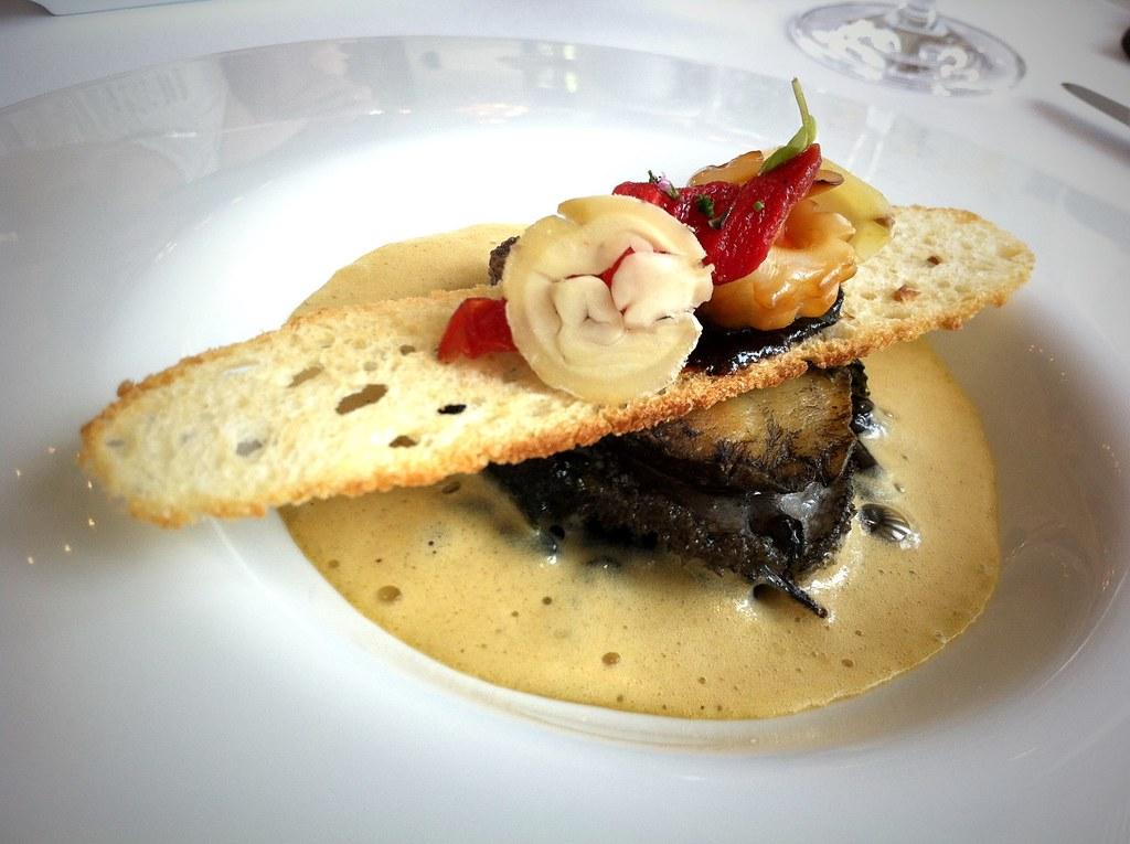南非鮑魚與栗子幕斯,墨汁燉米