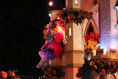 Mickey's Costume Party Cavalcade (Disney Dan) Tags: california ca travel autumn party vacation usa fall halloween america us october disneyland character muppets disney parade characters dl dlr halloweenparty misspiggy cavalcade themuppets disneylandresort disneycharacters disneycharacter disneylandpark 2011 halloweentime mickeyshalloweenparty halloweenseason mickeyscostumepartycavalcade