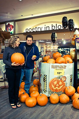 111.365 You've got mine and I've got yours (Valette) Tags: halloween couple steve pumpkins pumpkinpatch grocerystore newlyweds day111 valette 365days ayearofmarriage