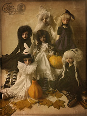 .the most important night of all. (hauntedorphans) Tags: halloween vintage doll katie victorian haunted f16 blanca bjd neige dollfie volks dollhouse pado msd dollmore dollzone binli dollndoll planetdoll dikadoll