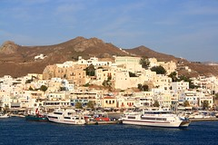 Hora (sara-maria) Tags: ocean sea water port boats island meer wasser ships hellas boote insel greece hora hafen griechenland cyclades schiffe naxos kykladen naxostown naxoscity