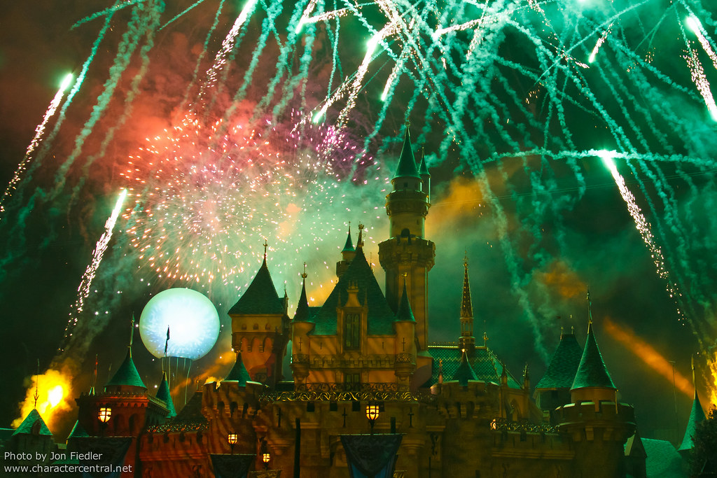 halloween screams a villainous surprise in the skies fireworks at disney character central