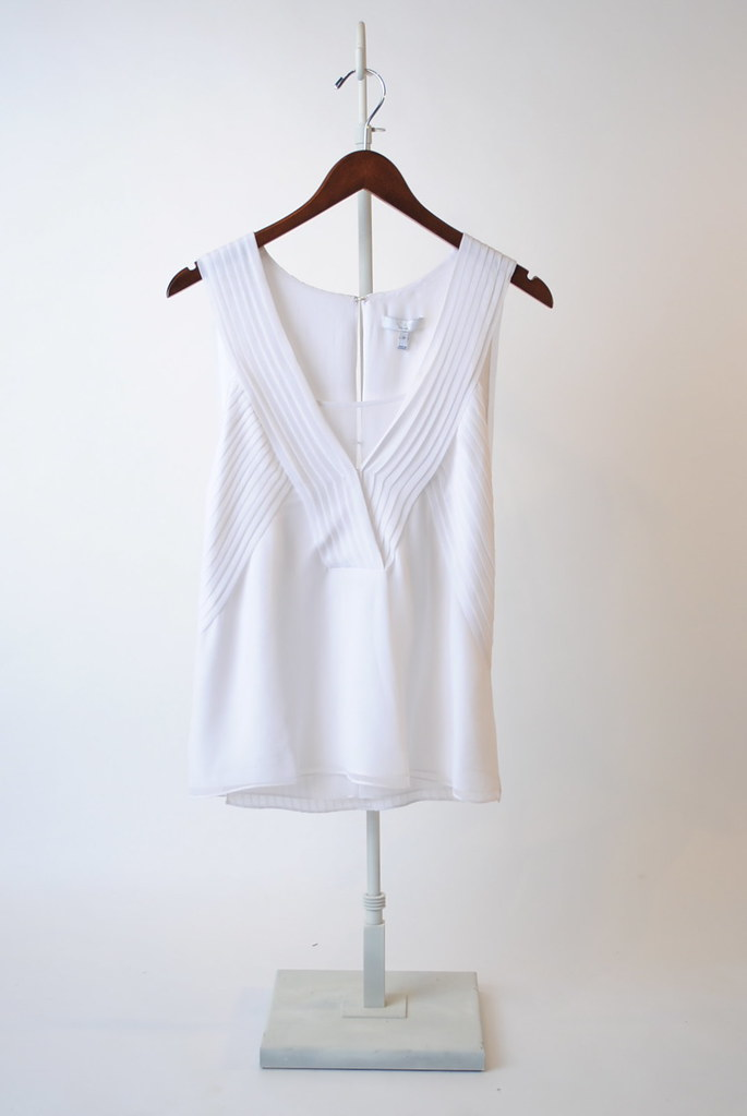 Knife Pleat Sleeveless Top