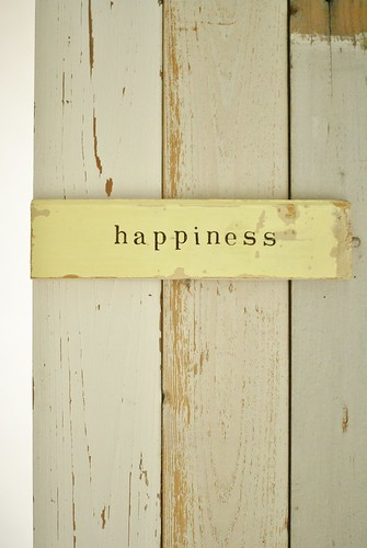 [happiness] by wood & wool stool