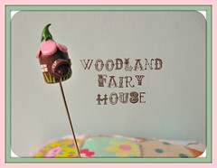 woodland fairy house pin topper (Pinks & Needles (used to be Gigi & Big Red)) Tags: quilt sewing craft sew pincushion etsy gigiminor pinksandneedles pintoppers pintopper sewingpin