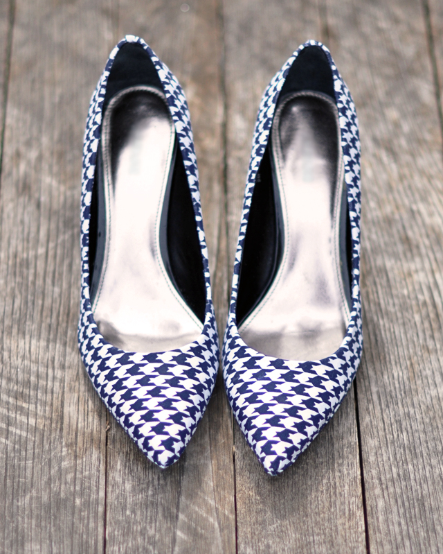 houndstooth shoes diy-navy and white shoes-diy fashion-shoe diys-fabric on shoes