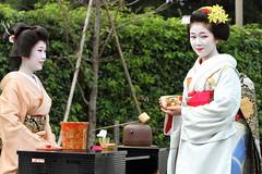 Ochakai -- Tea party-- (Teruhide Tomori) Tags: festival japan kyoto maiko geiko   kimono teaceremony teaparty    kamishichiken    earthasia