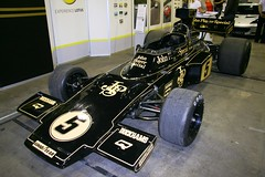 Team Lotus Type 72 Chassis 5 Ford Cosworth DFV (Stu.G) Tags: john player special team lotus type 72 chassis 5 ford dfv cosworth johnplayerspecialteamlotustype72chassis5forddfvcosworth johnplayerspecial teamlotustype72 forddfvcosworth jpslotus lotustype72 lotus72 johnplayerspeciallotus jps72 johnplayerspeciallotus72 emersonfittipaldi emerson fittipaldi jackyickx jacky ickx tony trimmer dave walker jim crawford brian henton tonytrimmer davewalker jimcrawford brianhenton classic classicteamlotus colinchapman colin chapman formula one f1 formulaone dfvcosworth canoneos400d canon eos 400d canonefs1785mmf456isusm efs 1785mm f456 is usm england uk unitedkingdom united kingdom clublotusshow2011 lotusshow d europe eosdeurope