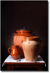 "Bodegn ""Tinajas"" (Cecilia Gilabert) Tags: stilllife composition ceramic bodegn barro cermica composicin tinaja tinajas bodegones huelvaysusfotgrafos ceciliagilabert"