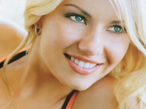 actriz-canadiense-elisha-cuthbert