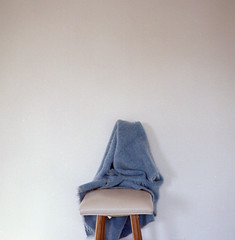 (Eli Craven) Tags: blue white color 120 6x6 film analog zeiss square lens kodak hasselblad 400 blanket sit stool portra 80mm 500cm