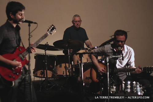 2011-10-06-LA_TERRE_TREMBLE-alter1fo-9