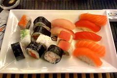 Sushi (Mastegag) Tags: sushi naki wok pesce salmone nighiri