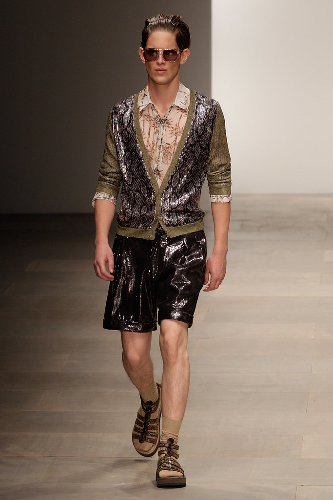 Axel Gillot3030_SS12 London James Long(VOGUE)