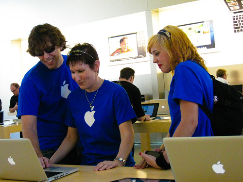 20111022- ImprovAZ AppleMob-35