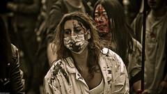 IMG_3351 (Meian') Tags: paris walking dead death blood zombie walk mort makeup gore rotten sang maquillage pourri meian 2011 putrefi putrify