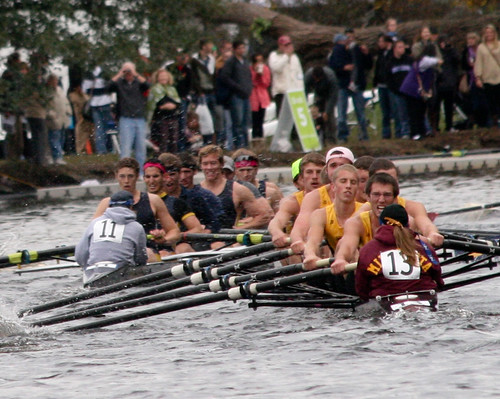 usa sports minnesota boston race river ma boats massachusetts charlesriver oct 11 trying crew creativecommons rowing strength 13 needstags winning struggling oars eights 2011 hocr striving
