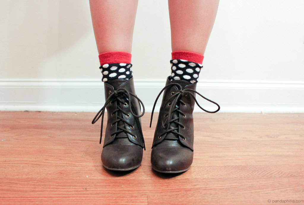 dots and laces