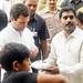 Rahul Gandhi on a local sweet shop in Jaunpur (2)