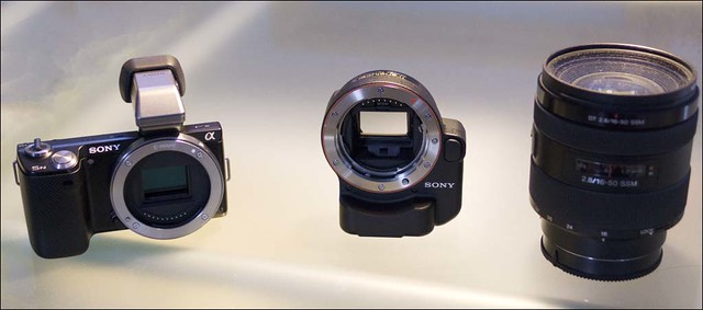 Sony NEX-5n LA-EA2 adapter 16-50mm f/2.8 a-mount lens