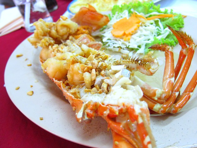 Deep Fried Phuket Lobster with Garlic
